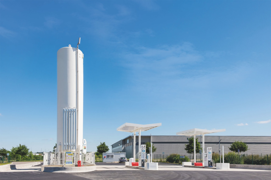 Betriebseigene Tankstelle für LNG (Liquefied Natural Gas, verflüssigtes Erdgas), geliefert von Chart Ferox in Frankreich.