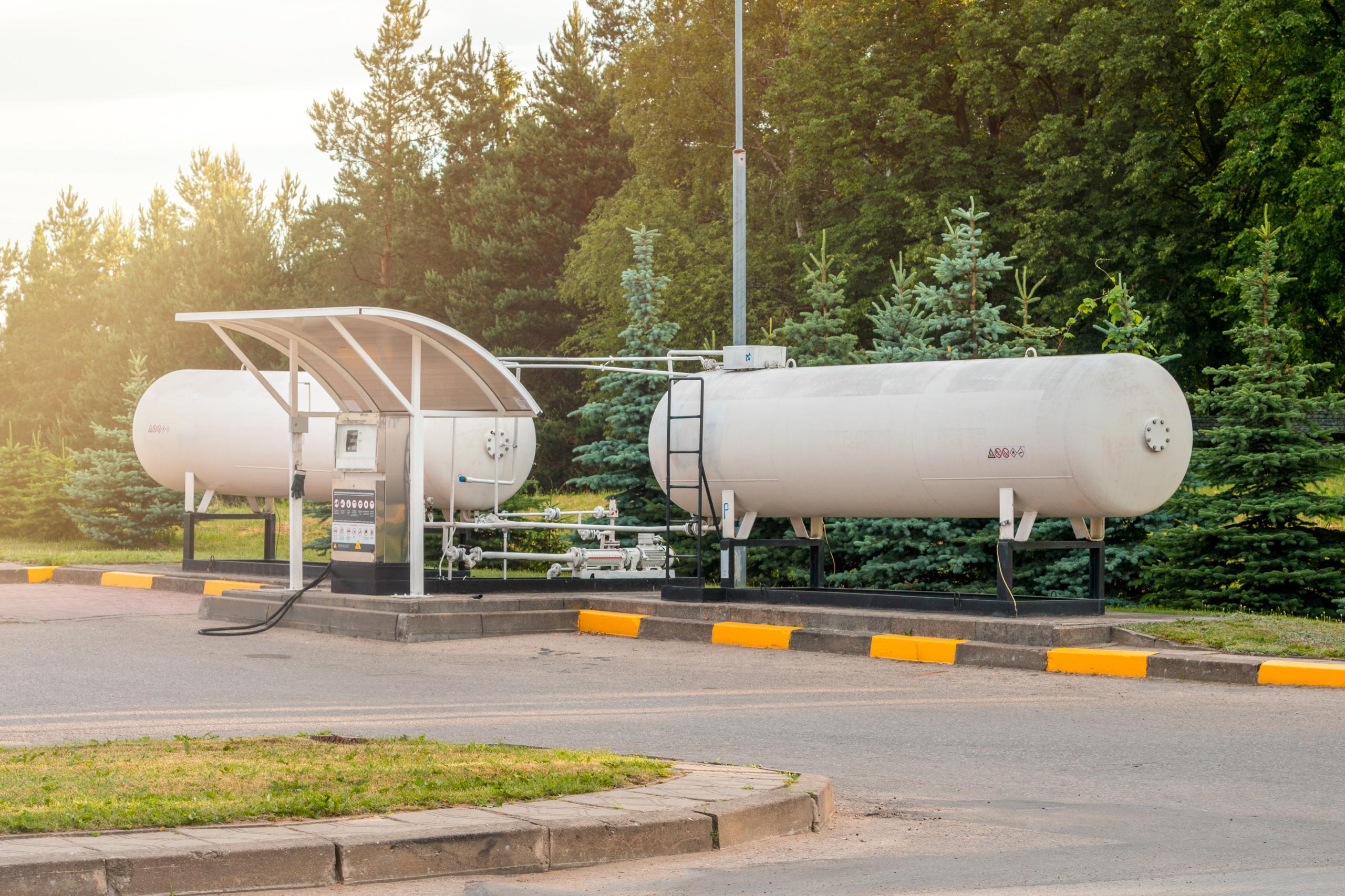 Öffentliche Tankstelle für LNG (Liquefied Natural Gas, verflüssigtes Erdgas).